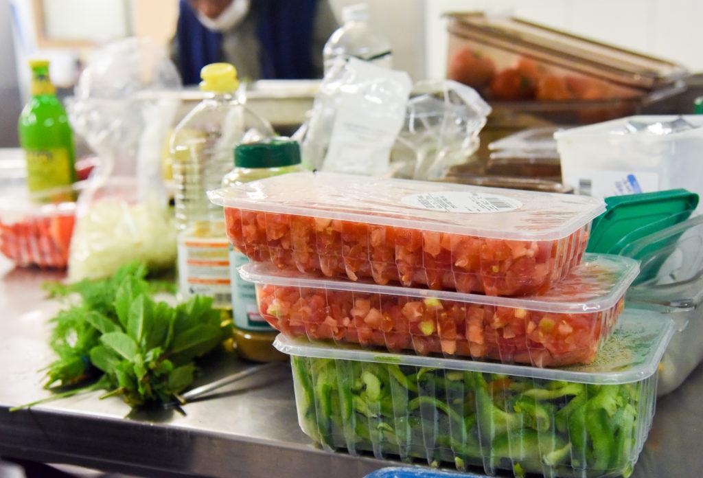 envases de plastico para alimentos en el supermercado