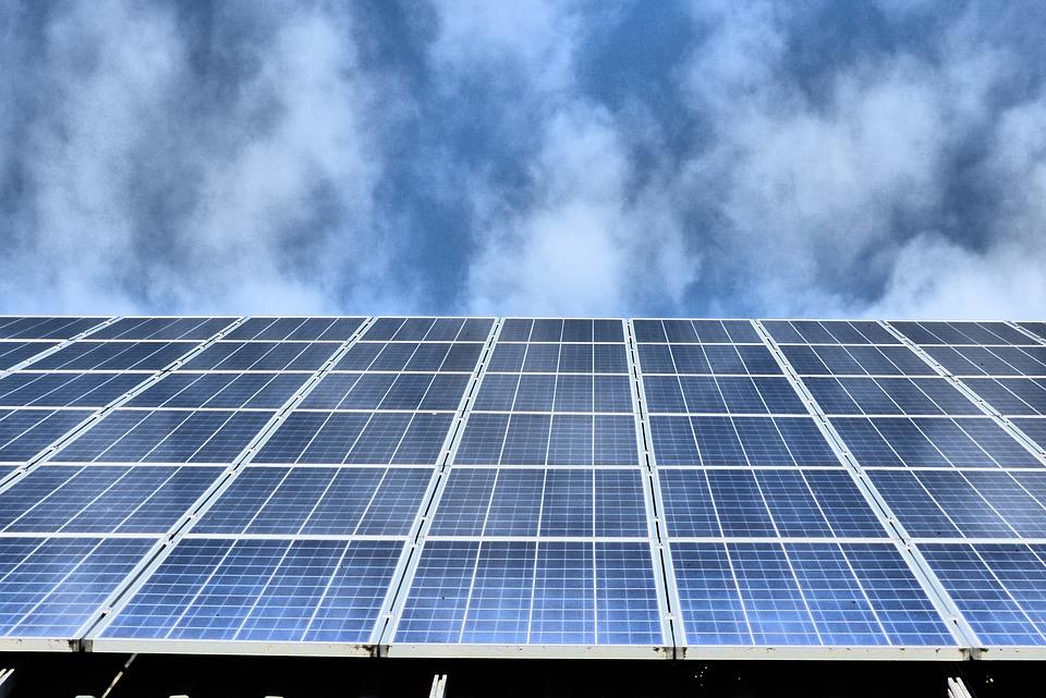 Campo de placas solares